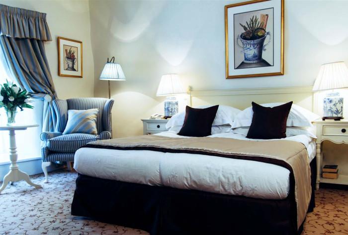 Schlössle hotel in Tallinn I Deluxe room